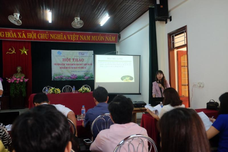 Quang Tri Women's Union introducing the project to workshop participants. Photo: ISET-Vietnam